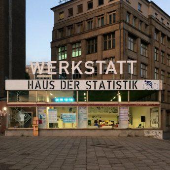 In der Werkstatt Haus der Statistik (Karl-Marx-Allee 1) sind wir seit September 2018 vor Ort.
